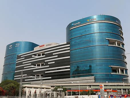 infinity tower dlf phase 2 gurgaon rent meeting rooms conference rooms in gurgaon