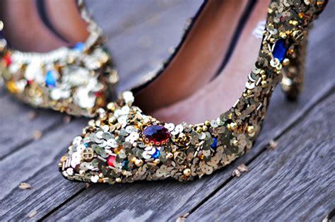 Sepatu Miu Miu White Gold glittery d g inspired 15 fabulous diy shoe makeovers