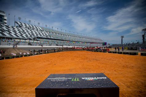 who won the motocross race last night on this day in moto march 12 racer x online