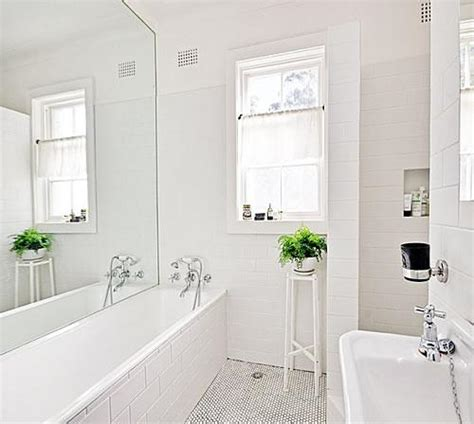 7 ways to make a small bathroom look bigger build