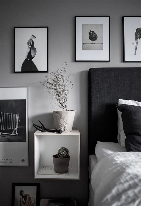 Black And White Paintings For Bedroom by Black And White On The Bedroom Wall My Paradissi