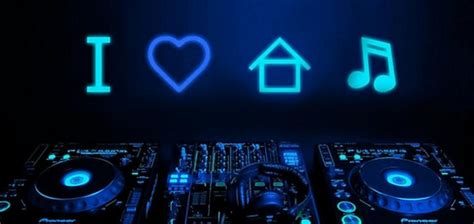 house music origins the origins of house music from a niche genre to mainstream following by marini s
