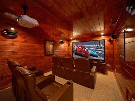 rooms in gatlinburg 4 bedroom gatlinburg theater room cabin with vrbo