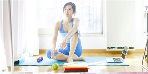 how to get fit in your bedroom the best online fitness programs to get you fit in your living room
