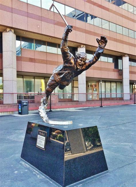 Td Garden Statue bobby orr statue td garden boston travel guide