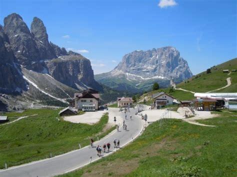 Motorrad Filme Online Gratis by Rifugio Passo Sella Piz Selva Passo Gardena