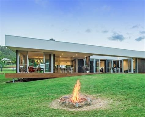 country style home gold coast hinterland jamison a home that embraces and enhances the site s unique
