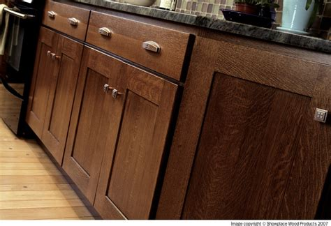 quarter sawn oak kitchen cabinets showplace cabinets kitchen traditional kitchen