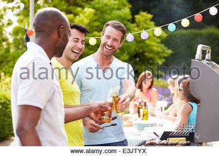 kochen zu hause paar gemeinsames kochen stockfoto bild 65879413 alamy
