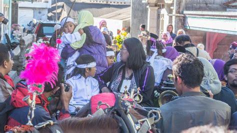 Rambut Gimbal Di Jogja kemeriahan dieng culture festival tahun sebelumnya yang