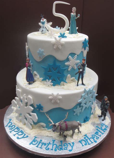 august  byrdie girl custom cakes