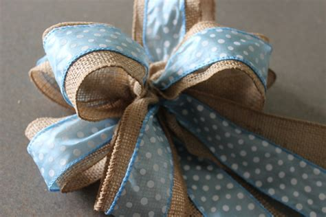 how to place burlap bow and burlap streamers on christmas tree susie harris burlap bows diy