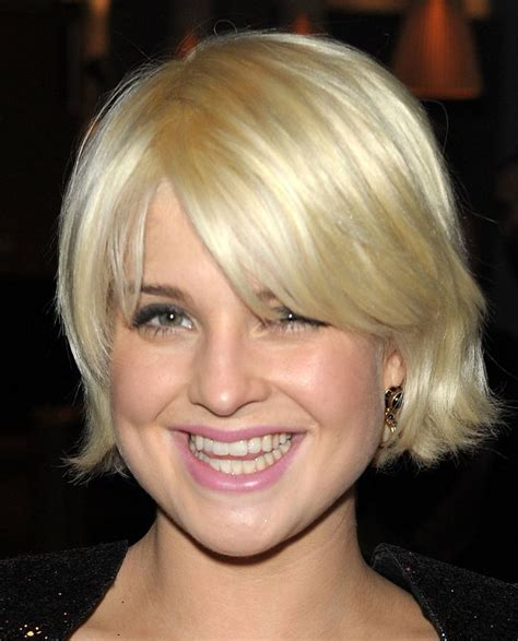 short haircuts for pear shaped faces cute short medium cut for pear triangular shaped face