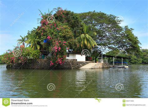 house on an island house on island stock images image 35411494