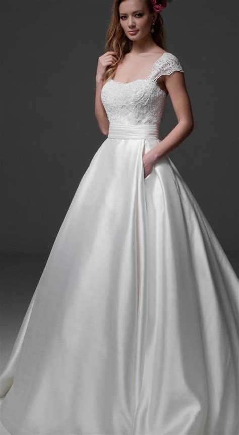 Wedding Dresses Cost how much does a wedding dress cost