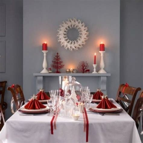 red and white x mas table setting classy christmas place