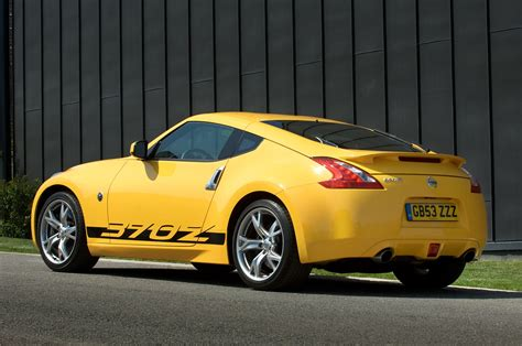 nissan 370z nissan 370z coupe 2009 photos parkers