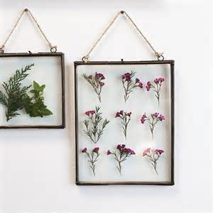 Wall Decor Frames by 25 Best Ideas About Decorate Picture Frames On