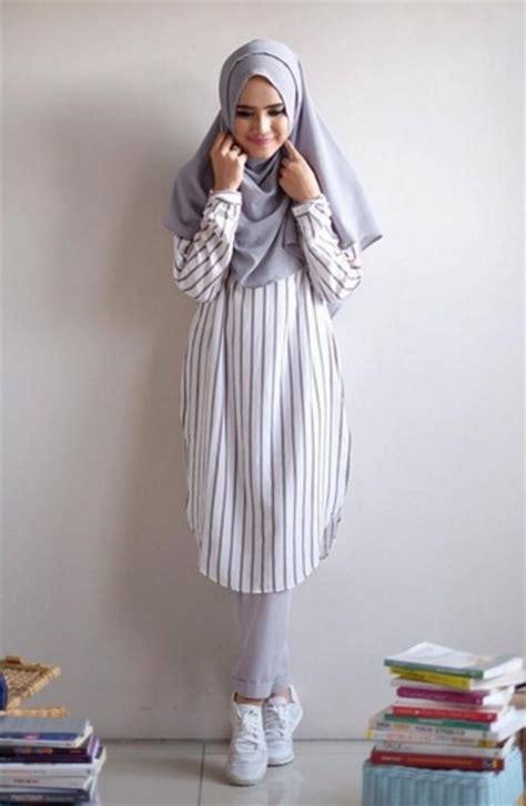 Baju Fashion Yang Gaya Dan Hitsbahannya Lembut Dan Nyaman Di Pakai model baju muslimah trendi untuk kuliah ide model busana