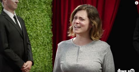 rachel bloom oh hello rachel bloom reveals red carpet secrets and is now our hero