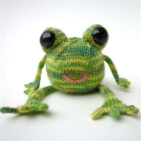 knitted frogs 74 best images about crochet frogs on free