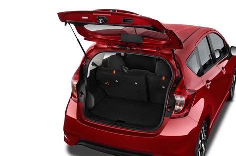 nissan note interior trunk 2015 nissan versa note reviews and rating motor trend