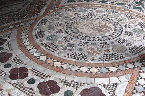 pavimenti a mosaico il pavimento a mosaico