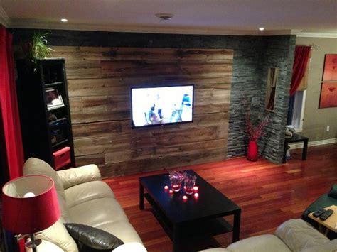 mur design home hardware mur en bois de grange et ardoise plancher de bois franc