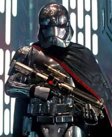 Converge Wars Captain Phasma wars gwendoline christie explains captain phasma keeping helmet on ew