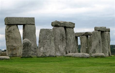 lade da terra on line file stonehenge 02 jpg wikimedia commons