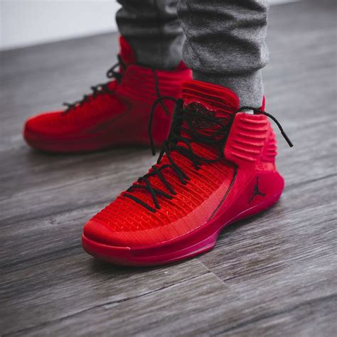 Sepatu Basket Air 32 High Rosso Corsa 915 best s sneakers images on