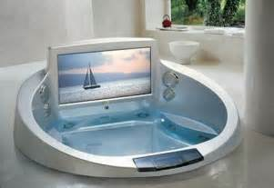 Big Bathtub With Jets 5 Cool Bathtubs With Built In Tvs Digsdigs