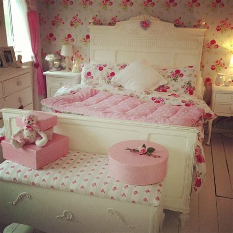 vintage rose bedroom ideas beautiful bed bedroom decor flowers girl room girlie