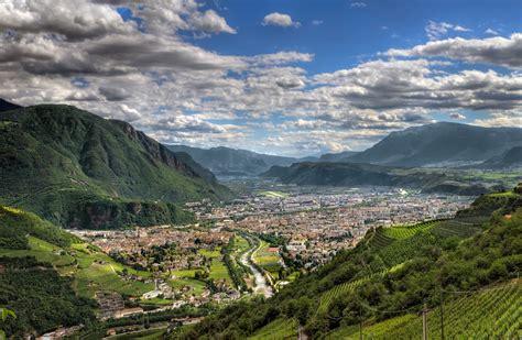 La Bolzano by Bolzano Tourist Map Bolzano Italy Mappery Citiestips