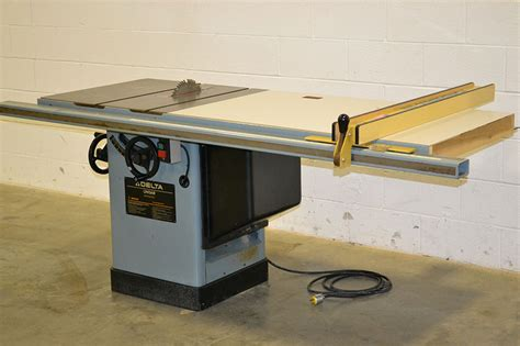 Delta Unisaw Table Saw by Delta 34 802 10 Quot Right Tilting Unisaw Table Saw Ebay