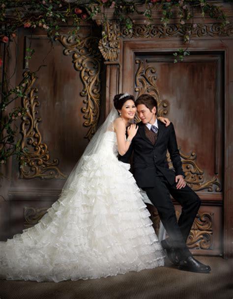 Hasil Foto Pre Wedding Indoor indoor prewedding photo