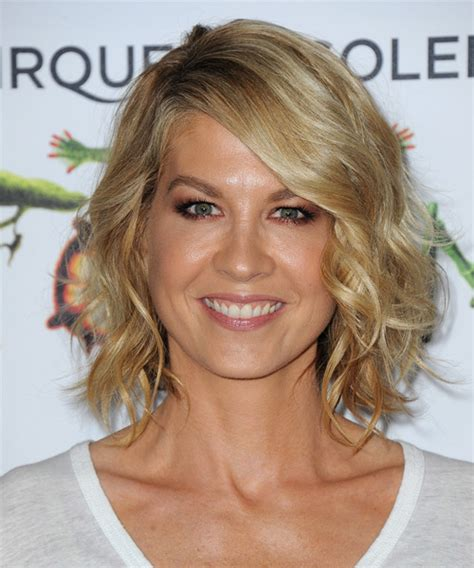 pictures of the back of jenna elfman hair jenna elfman short hair