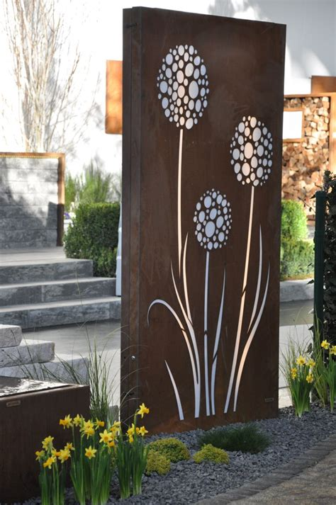 sichtschutz garten aus cortenstahl cortenstahl sichtschutz vista 180 x 100 cm beleuchtet mit