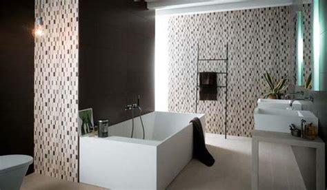 15 spectacular modern bathroom design trends blending modern interior design trends in bathroom tiles 25