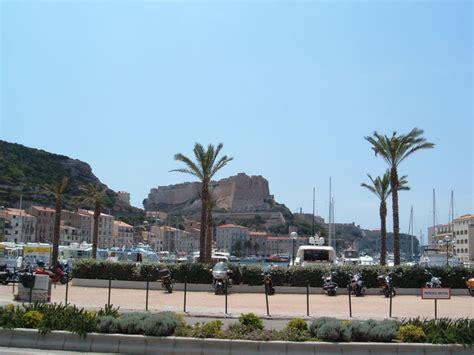 citta e porto della corsica bonifacio la citt 224 sospesa sul mare