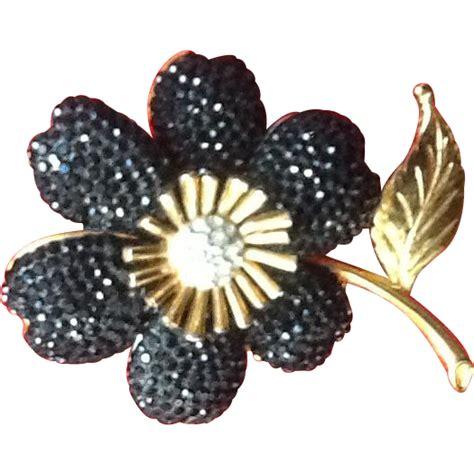 Flower With Swarovski vintage leiber flower brooch with swarovski crystals from pursesplus on ruby