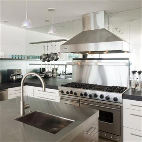 beautiful ways to add mirrors in the kitchen