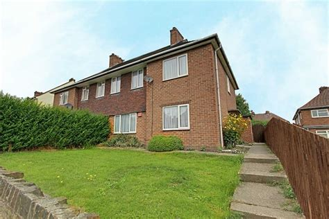 4 bedroom houses to rent in chesterfield 4 bedroom semi detached house to rent danby avenue