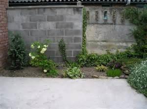 comment decorer un grand mur de jardin