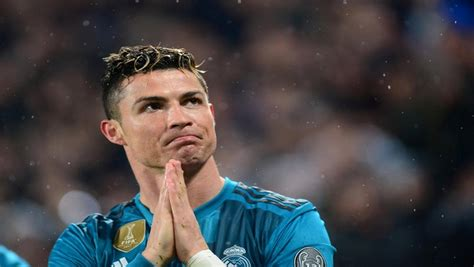 ronaldo juventus ovation i was touched cristiano ronaldo on the standing ovation in turin how trend news