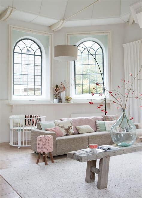 styling room vul je woonkamer met pastelkleuren 13 voorbeelden