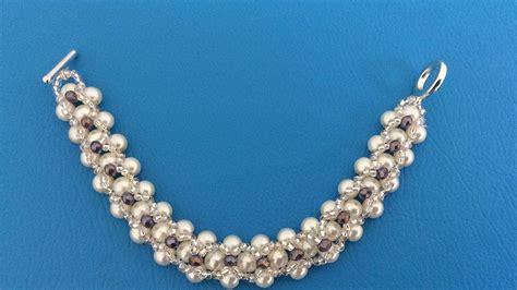 como hacer pulseras con perlas pulsera con perlas y chaquira youtube