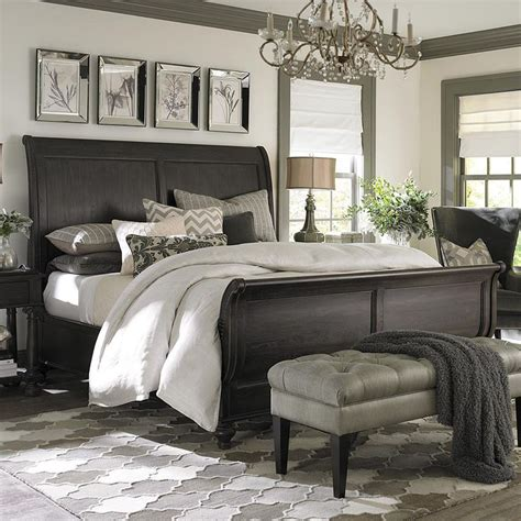 bedrooms with sleigh beds 25 best ideas about sleigh beds on pinterest dark wood bed farmhouse sleigh beds