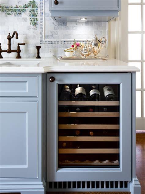 englische cottage kitchen cottage kitchen ideas pictures ideas tips from hgtv hgtv