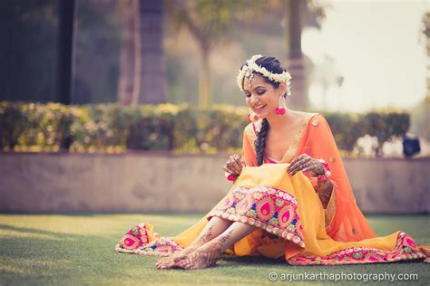 Style guide: Indian Mehndi Outfit Ideas & trending mehndi